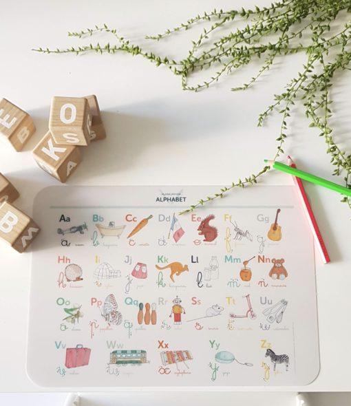 abécédaire, Montessori, apprendre à écrire
