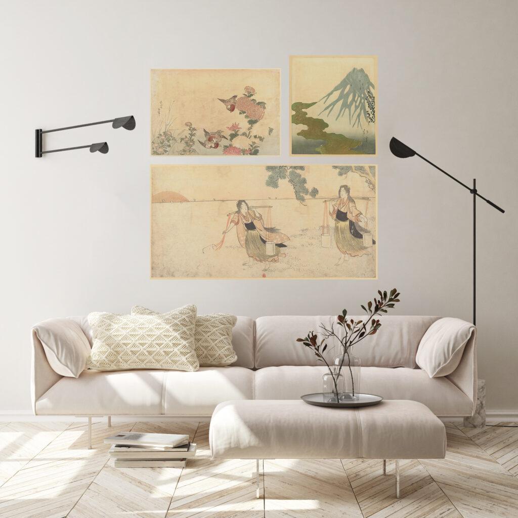 Triptyque d'estampes japonaise, sur toiles adhésives posées au mur d'un salon contemporain lumineux.